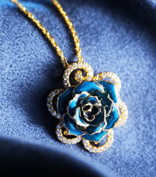蓝色玫瑰花吊坠