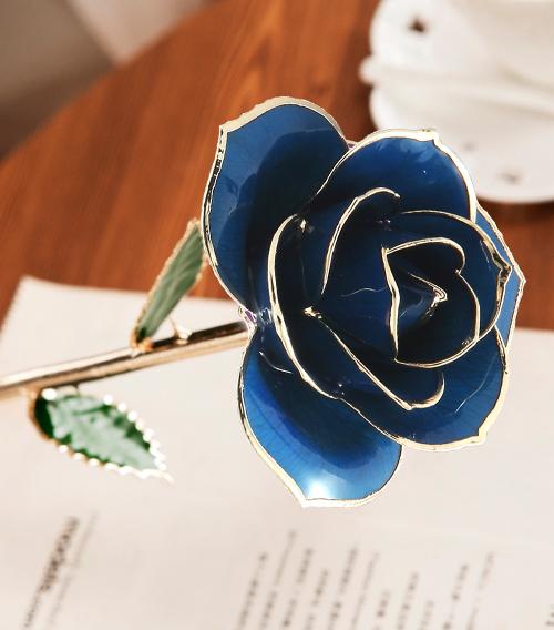 浅蓝色绿叶子单枝花
