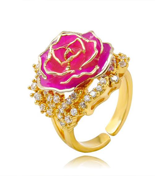 玫红色玫瑰花戒指