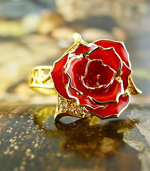 红色玫瑰花戒指