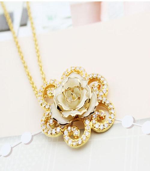 白色玫瑰花首饰套装