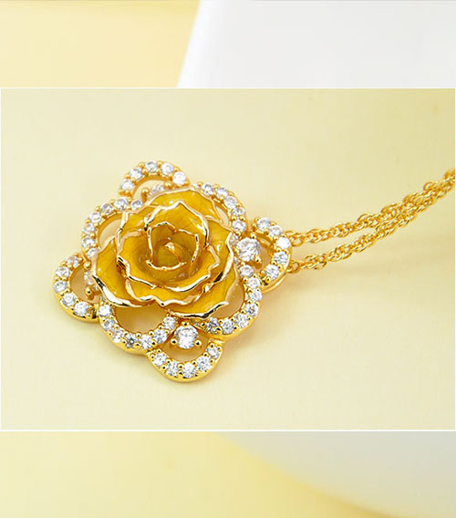 黄色方形镀金玫瑰花吊坠